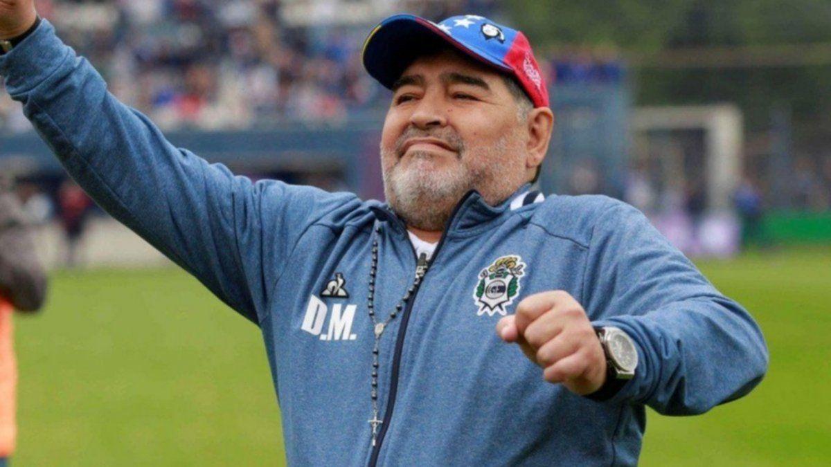 Maradona llegó a Olivos para ser operado