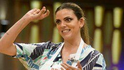 Belu Lucius tuvo un bochornoso accidente en Masterchef Celebrity Argentina