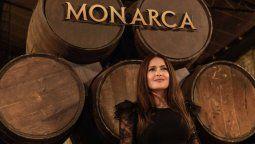 ¡Versátil! Salma Hayek es la mente detrás de Monarca