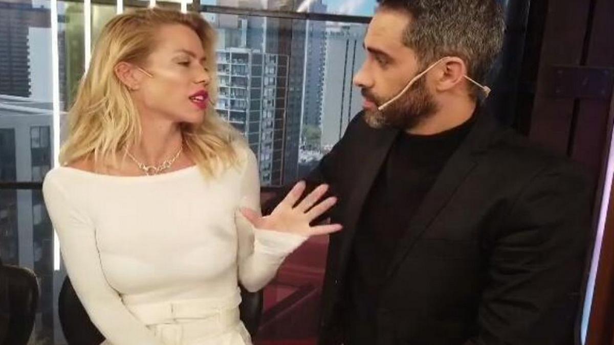 El Pollo Álvarez se burla de Nicole Neumann en vivo