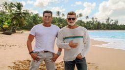 Ricky Martin y Carlos Vives en una playa de Puerto Rico