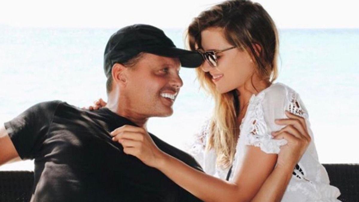 La hija de Luis Miguel Michelle Salas junto a su padre