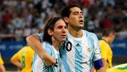 Lionel Messi y Juan Román Riquelme fueron compañeros en la selección argentina
