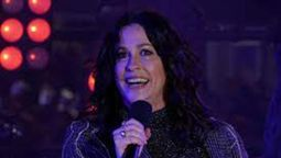 La cantante Alanis Morissette presentó el documental Jagged en el Festival Internacional de Cine de Toronto