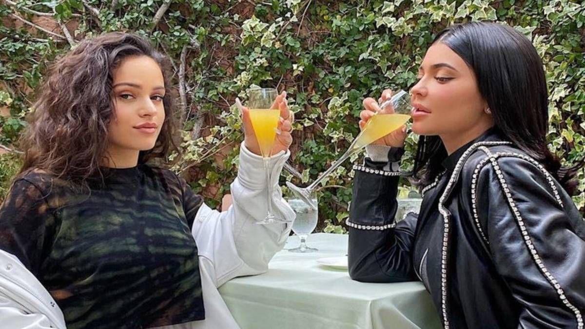 ¡Sigue la intriga! ¿Rosalía y Kylie Jenner están molestas?