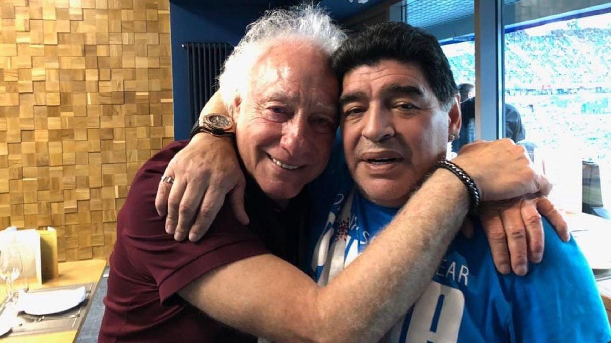Guillermo Coppola fue uno de los pocos que pudo ingresar al cementerio para sepultar a Maradona.