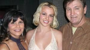 ¡Pelea! Madre de Britney Spears se enfrenta a los abogados de su padre