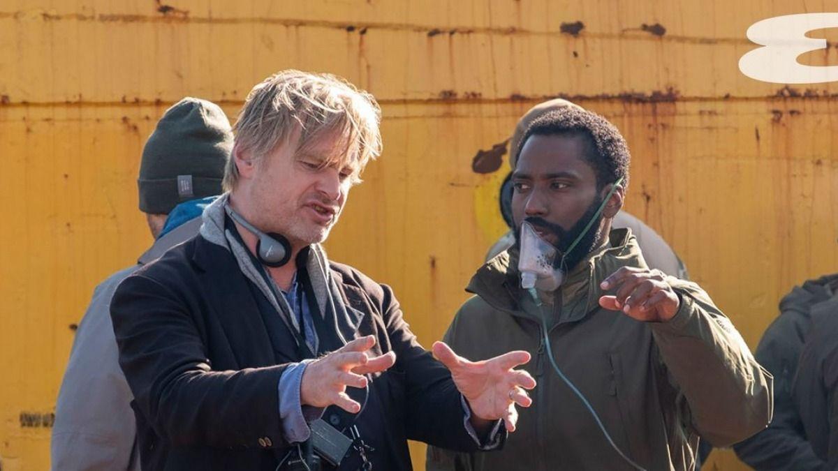 El DIrector Christopher Nolan se molestó con los estudios Warner Bros.