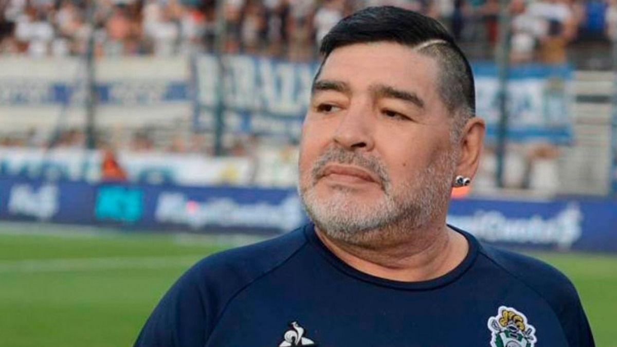 Diego Maradona tomó con humor cuando Leopoldo Luque le notificó que tenían que operarlo