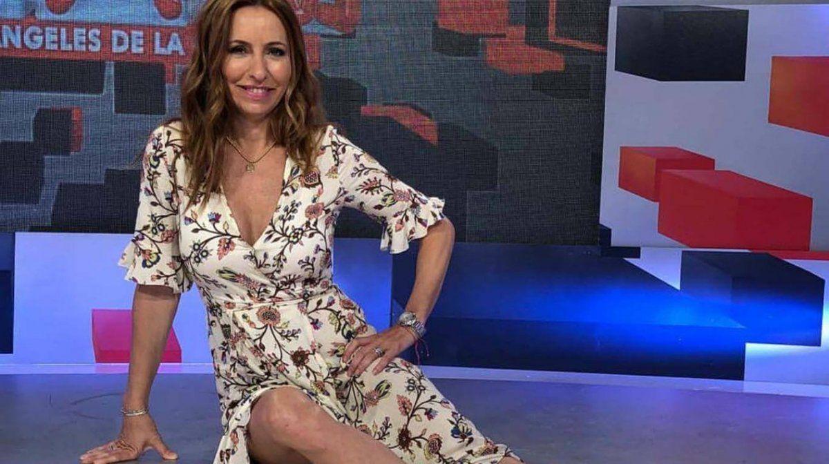 Analía Franchín se arregla sin peluquerías en su casa