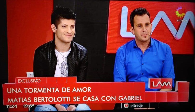 El meteorólogo de TN Matías Bertolotti y su novio, Gabriel, anunciaron: Nos casamos en un año