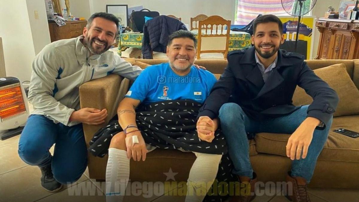 El Ex jugador Diego Maradona es el DT de Gimnasia y esgrima de La Plata