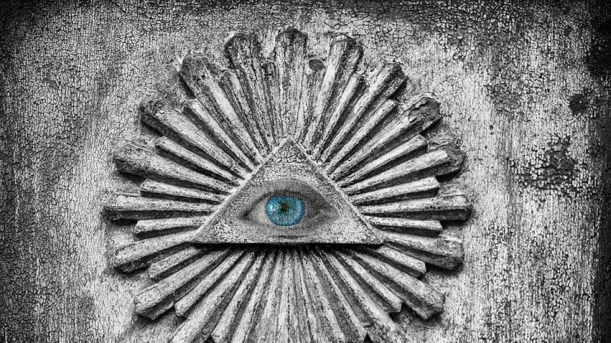 Durante los capítulos de la serie podemos encontrar diferente símbología