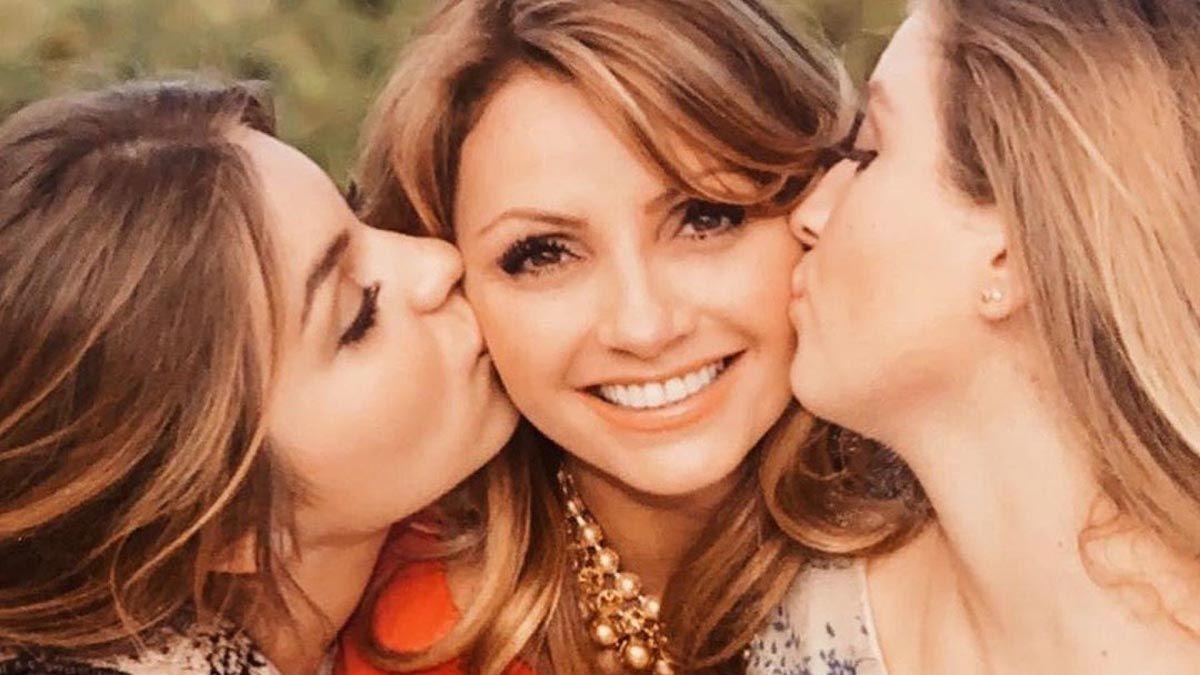 Angélica Rivera y sus hijas son captadas de compras en Miami