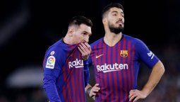 Lionel Messi y Luis Suárez son cercanos dentro y fuera de la cancha. ¿La salida del uruguayo precipitará la decisión de la pulga?