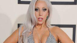 ¡Sexy! Lady Gaga posa casi desnuda y solo se tapa con la mano