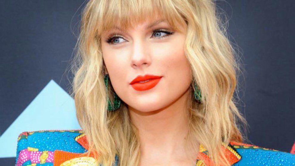 Taylor Swift cambiará el logo de su disco luego de ser acusada de plagio