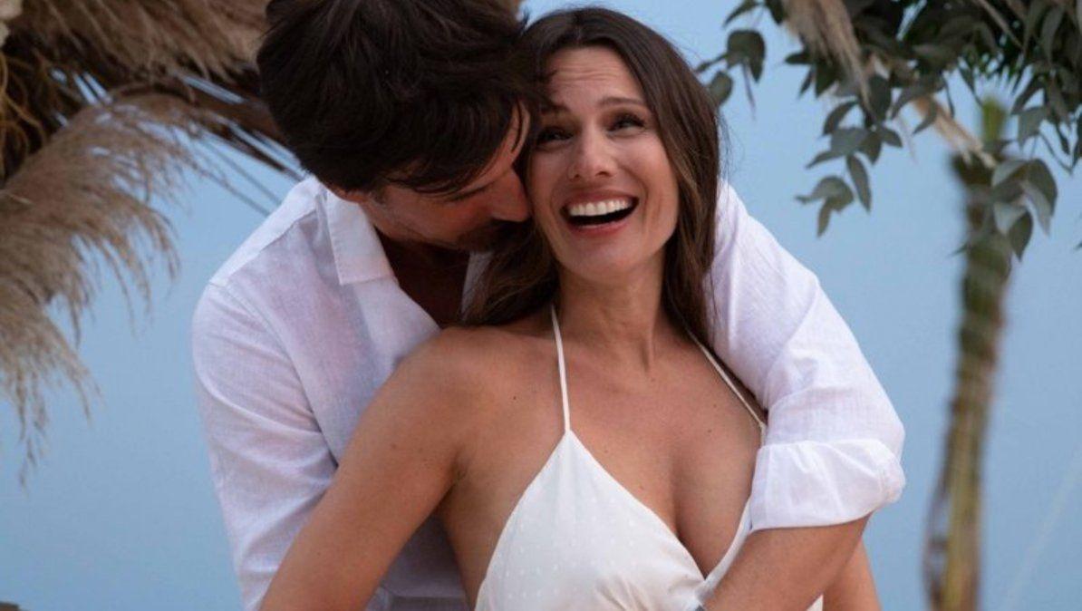Roberto García Moritán mostró por primera vez la panza de embarazada de Pampita