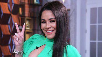 Carolina Sandoval es atacada nuevamente tras mostrar el trasero al bailar