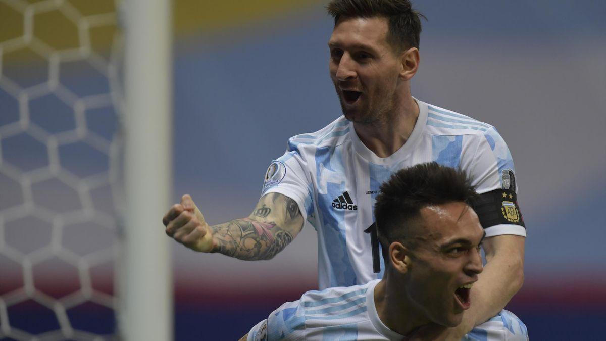 ¡En su cara! Lionel Messi le lanzó con todo a Yerry Mina