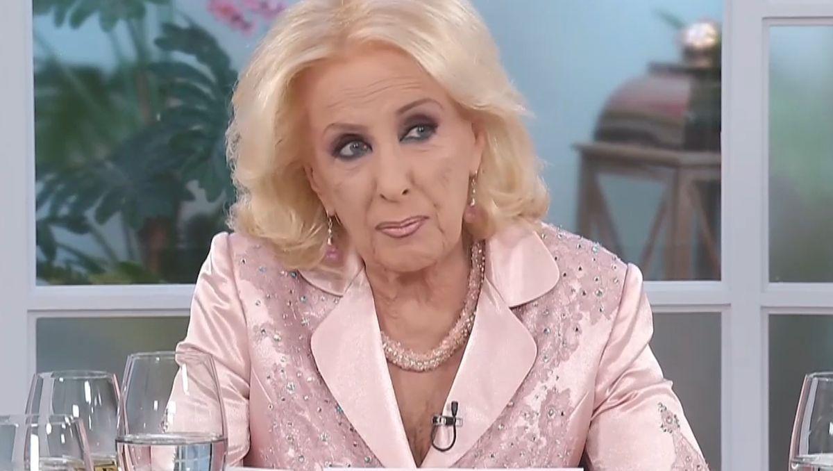 Juana Viale confesó qué dijo Mirtha Legrand de las críticas sobre la conducción de su programa