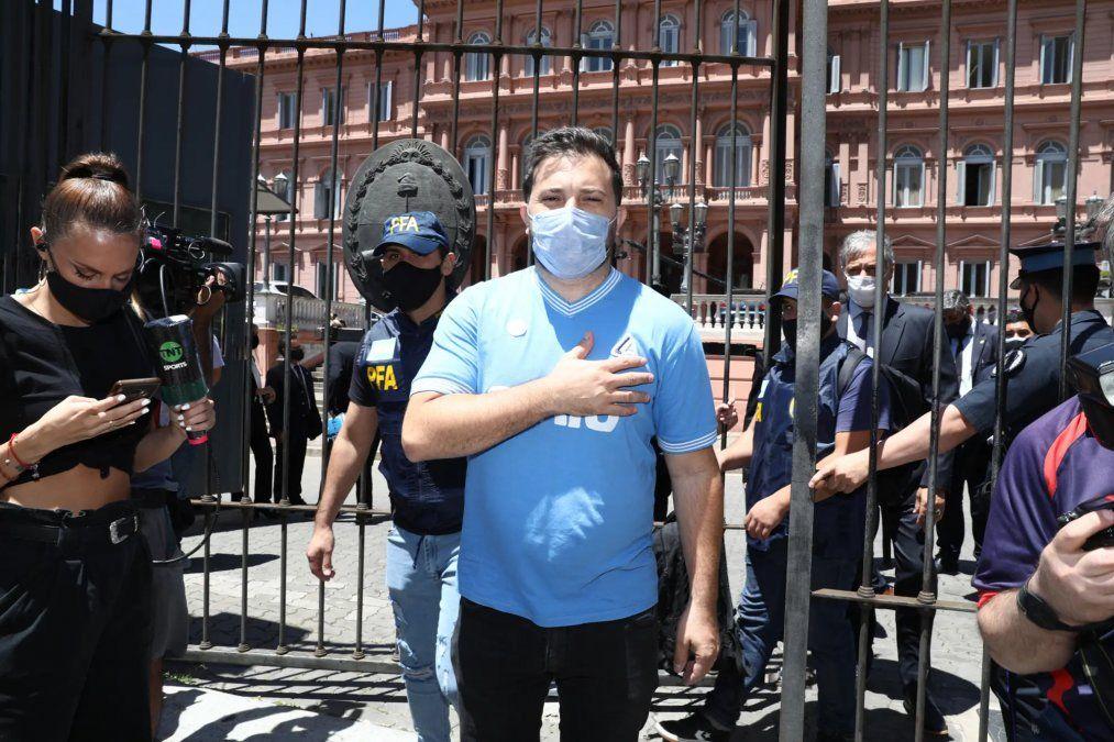 Diego Brancatelli participó del velatorio de Maradona y defendió la organizaciónP