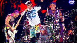 Red Hot Chili Peppers vendió sus canciones por 140 millones