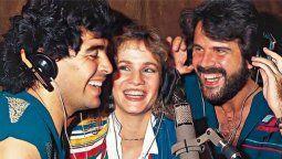 Diego Maradona junto a Joaquín y Lucia Galán