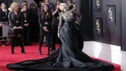 ¡Para todos! Diseñador de Lady Gaga lanza vestidos unisex