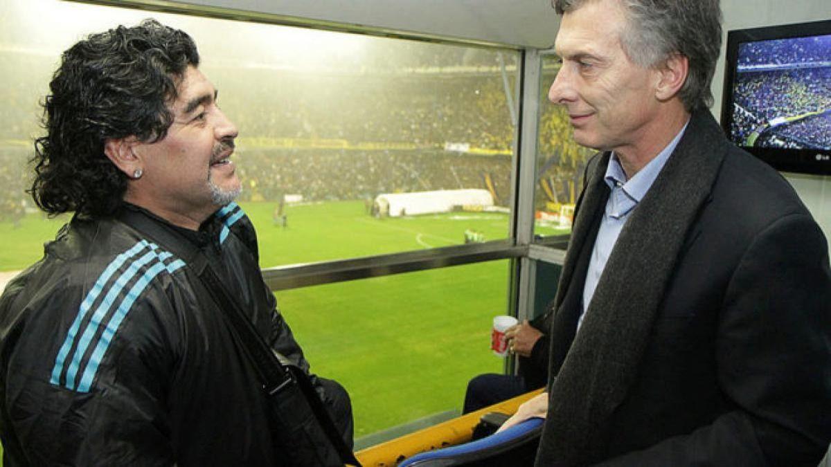 Diego Maradona junto a Mauricio Macri cuando el pelusa estuvo frente a la selección