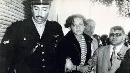 La famosa foto de El Ángel Carlos Robledo Puch cuando fue detenido hace 48 años tras el crimen Tabú