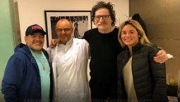 Una de las últimas fotos entre Diego Maradona y Charly García