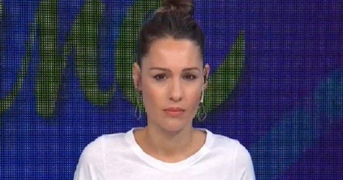 Pampita muy enojada con los seguidores que la critican en redes.