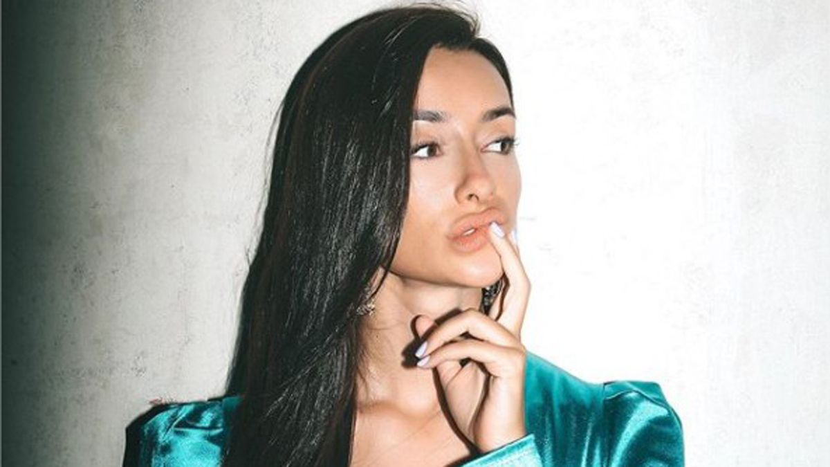 ¡Ofendida! Una seguidora insultó a Adara Molinero y ella se defiendió