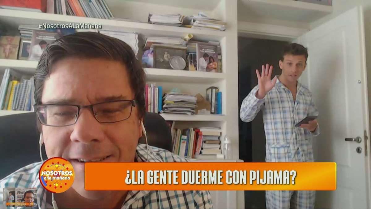 El doctor Montes de Oca daba un móvil en vivo cuando irrumpió su hijo en pijama