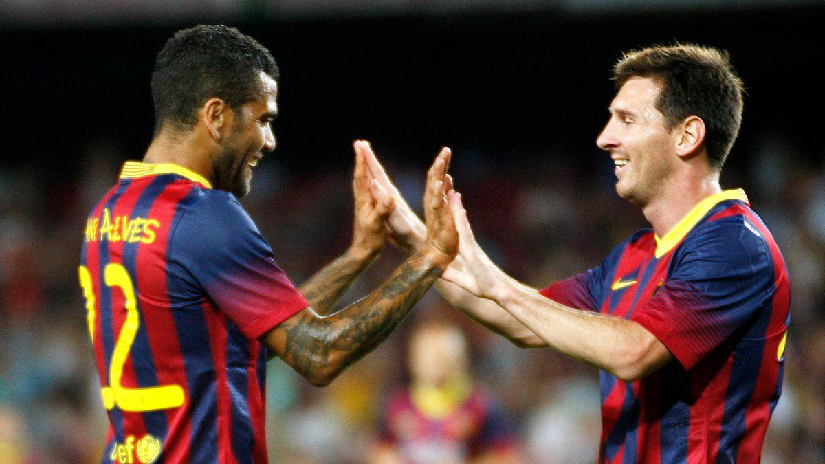 ¡Tiene quien lo vista! Lionel Messi tiene de estilista a Dani Alves