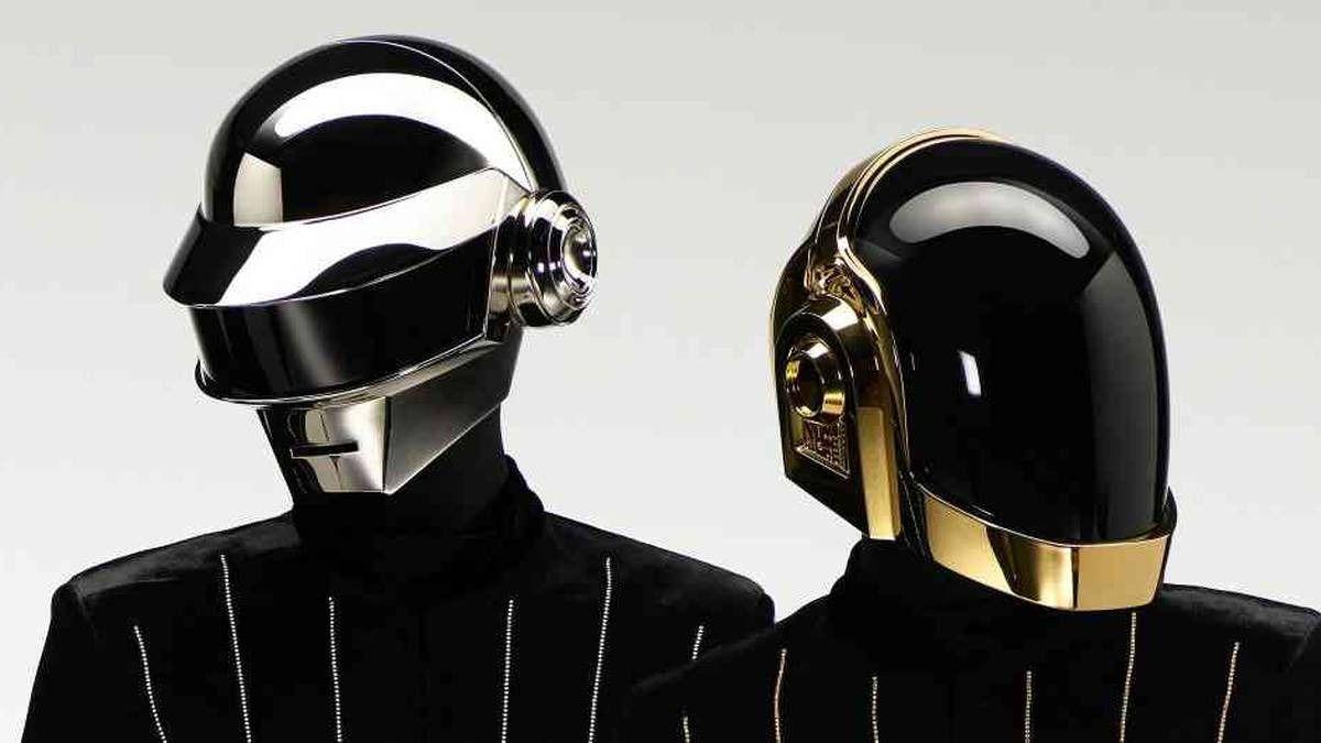 La agrupación Daft Punk creada en 1993 comunicó la noticia de su separación a través de un video.