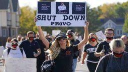 Paris Hilton sigue con todo en pro de cerrar una escuela en Utah