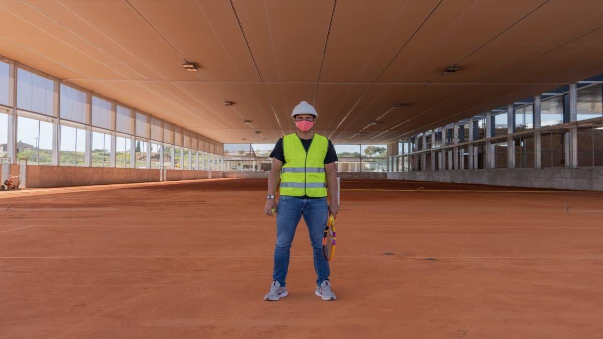 ¡Ahora es obrero! Rafa Nadal inspeccionó su academia