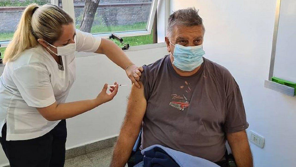 Luis Ventura se vacunó contra el Covid-19