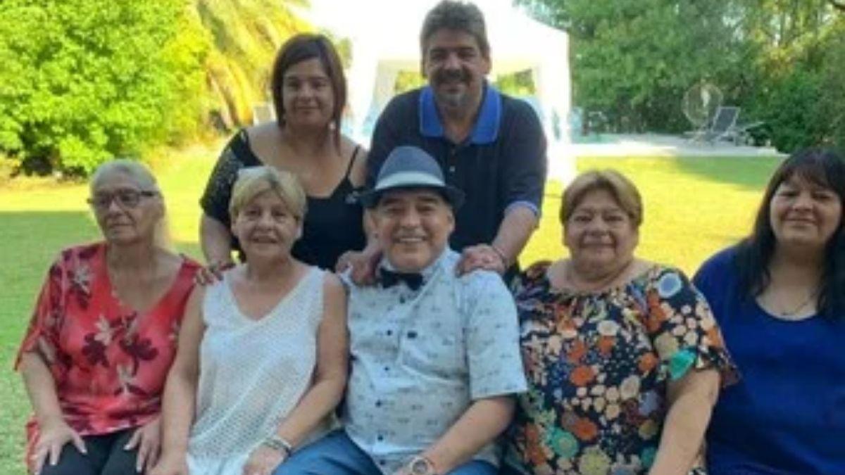 Yanina Latorre durísima con las hermanas de Diego Maradona: ¿De qué va a vivir toda esta gente?