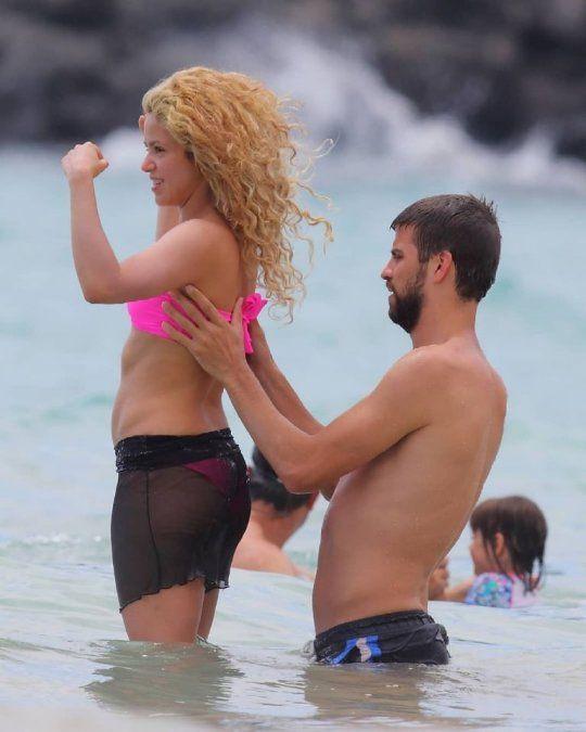 ¡Sensual! Shakira fue vista en la playa con un bikini de infarto