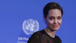 La estrella de Hollywood, Angelina Jolie aprovechó la llegada de la navidad para alertar sobre los riesgos de violencia contra las mujeres.