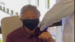 ¡Vacunado! Bill Gates recibió la primera dosis y esto dijo