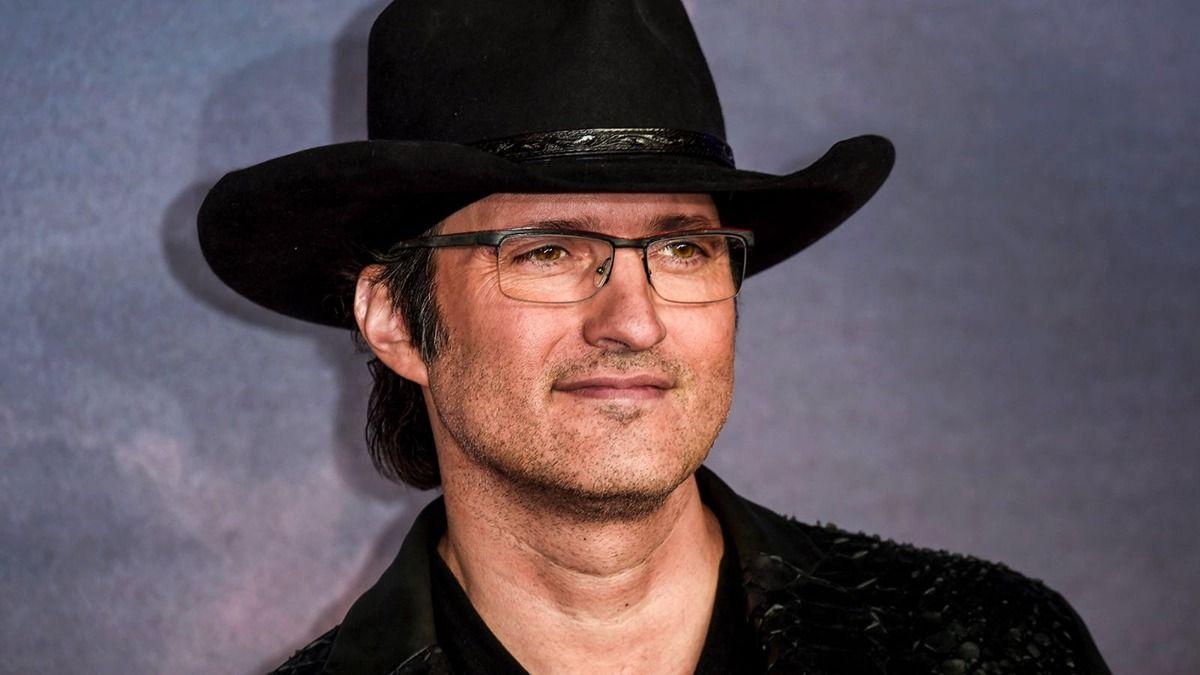 Robert Rodríguez dirigirá una serie de El Zorro protagonizada por Sofía Vergara