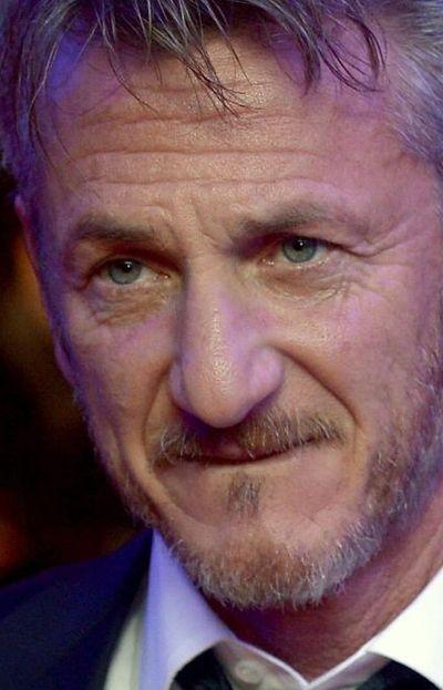 El actor Sean Penn será John Mitchell en la serie Gaslit