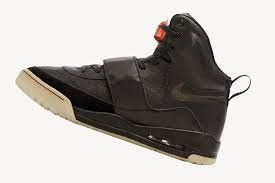 ¿Cómo? Kanye West vendió unos zapatos en casi dos millones de dólares