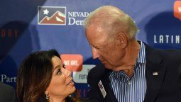 ¡Muy cercanos! Eva Longoria felicitó a Joe Biden por su cumpleaños