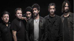 La banda Los Caballeros de La Quema ofrecerán un concierto vía streaming