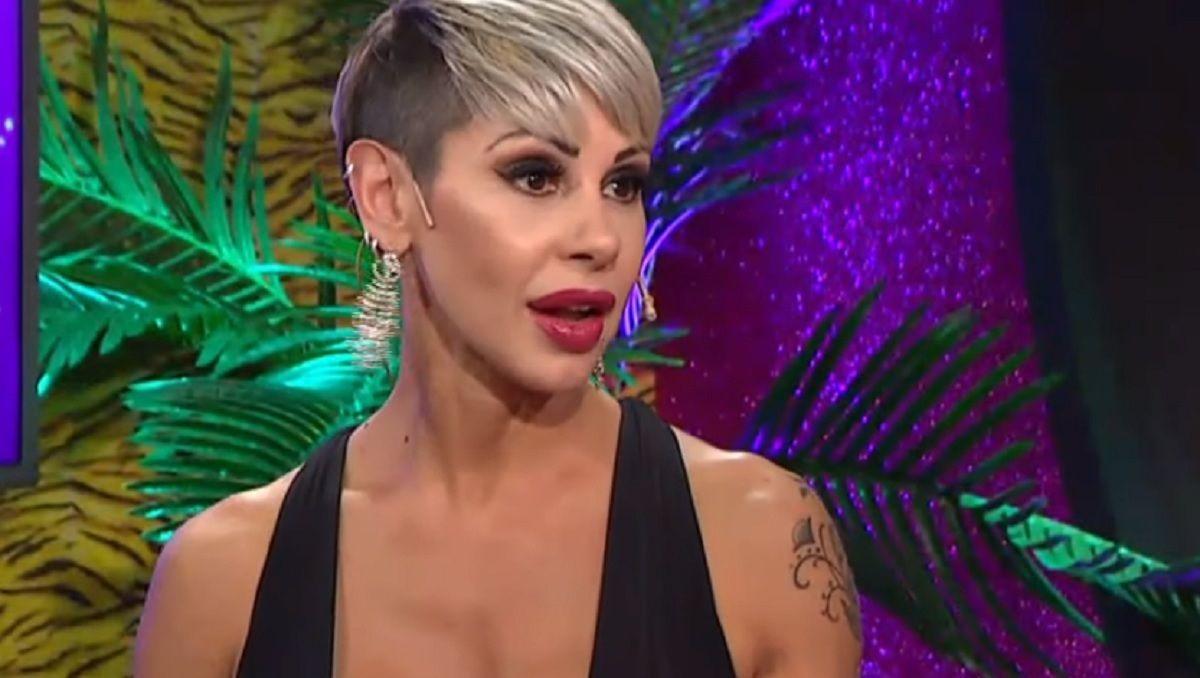 Mónica Farro y su jugado cambio de look